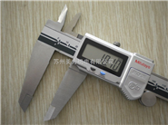 三丰数显卡尺500-754-10 量程0-300mm